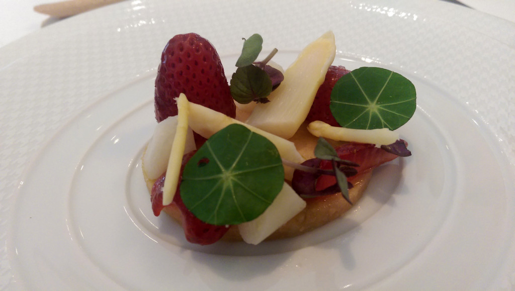The-French-Laundry-strawberry-almond-salad