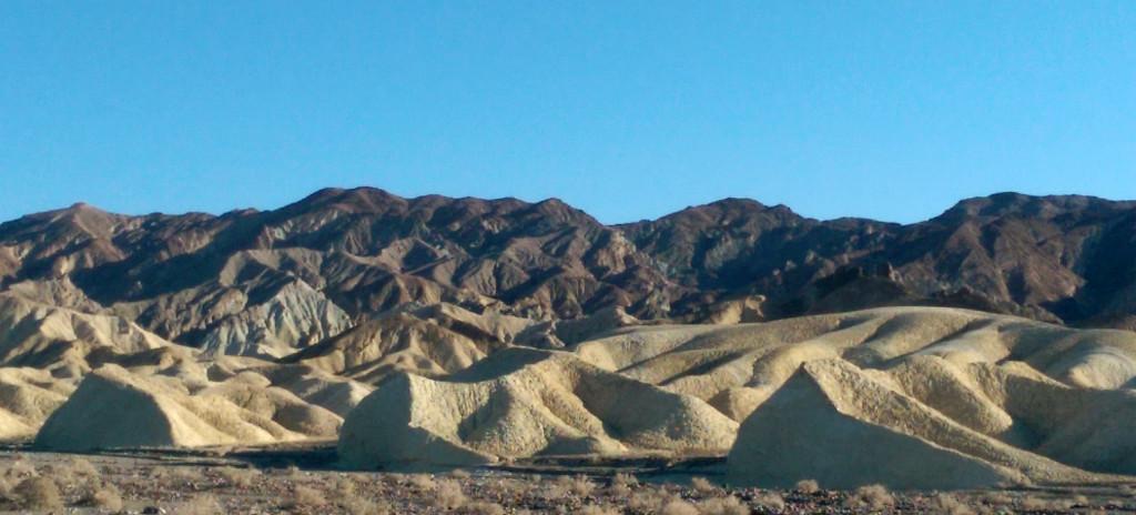 Road trip to Las Vegas - Death-Valley-rock-formations