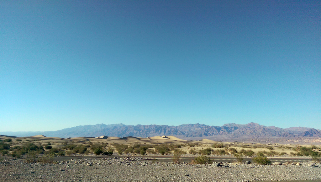 Road trip to Las Vegas - Death-Valley-sand-dunes