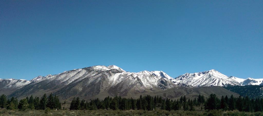 Road trip to Las Vegas - View-of-snowcapped-peaks