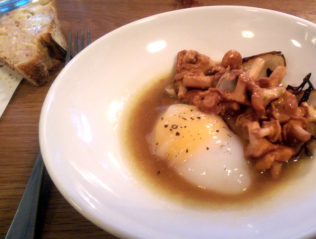 Lyle's-duck-egg-and-girolles