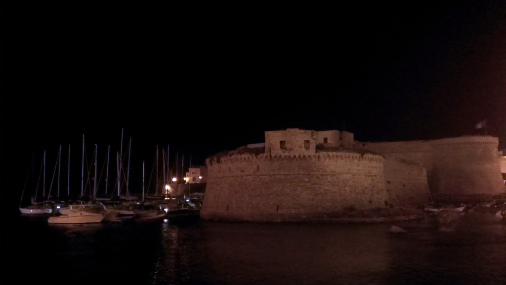 Gallipoli-night-city-walls
