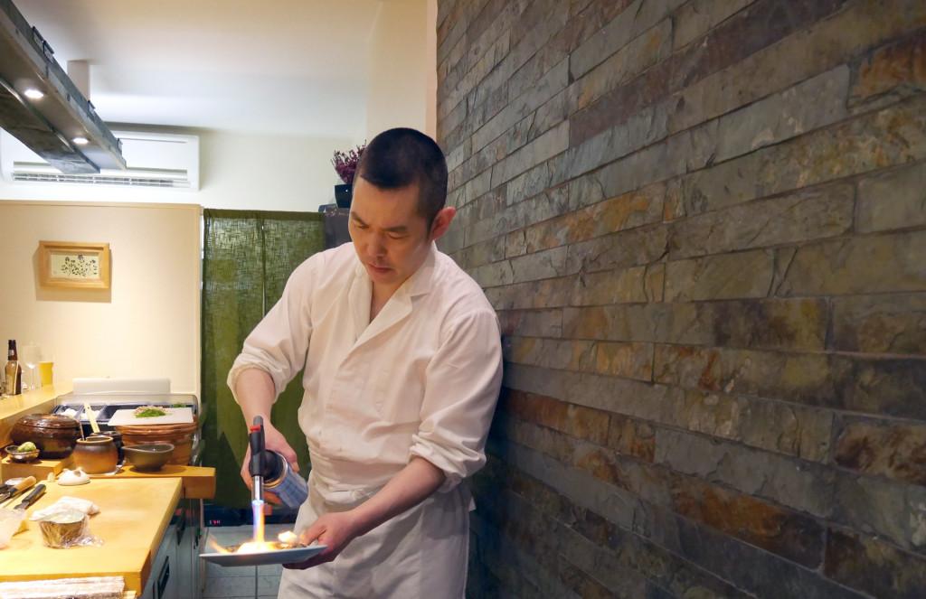 Sushi-Tetsu-Toru-san-blow-torch