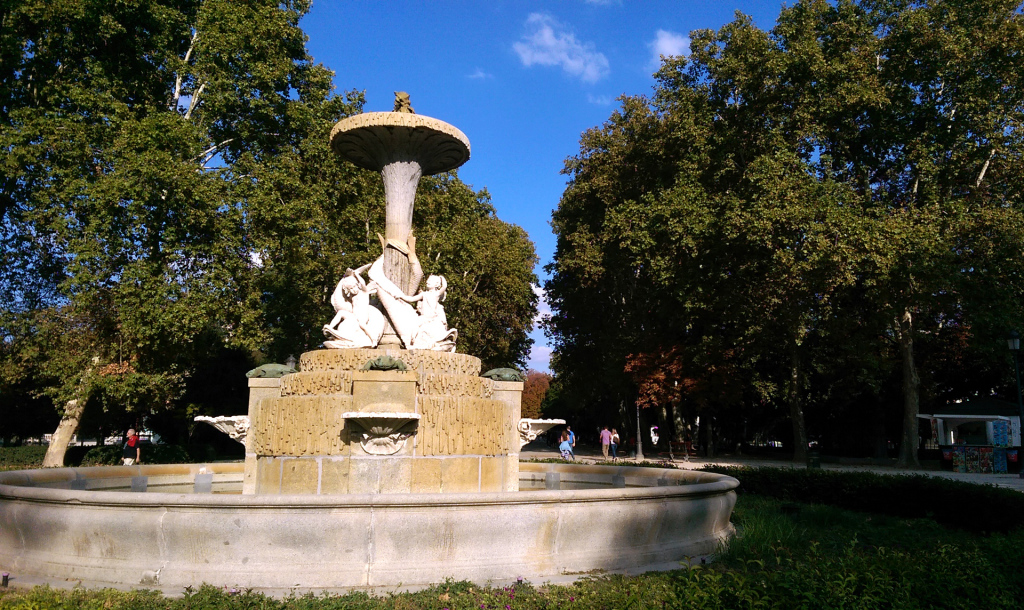 Madrid-Retiro-Park-fountain