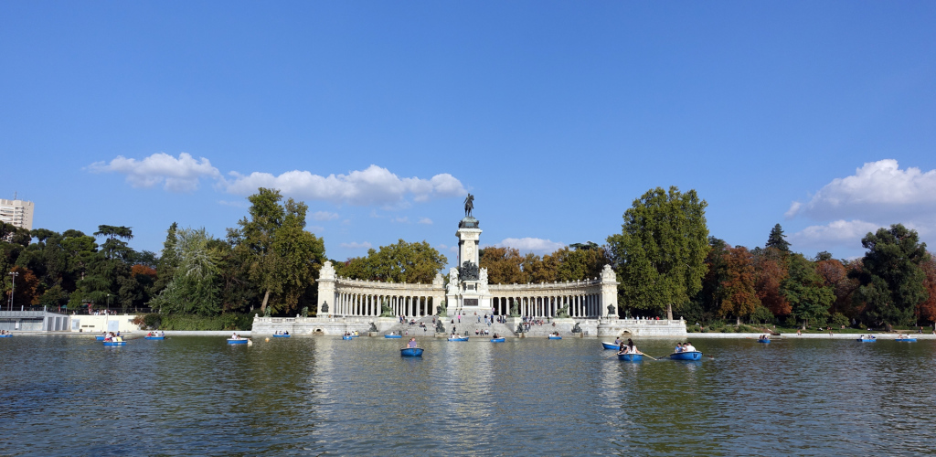 Madrid-Retiro-Park-pond