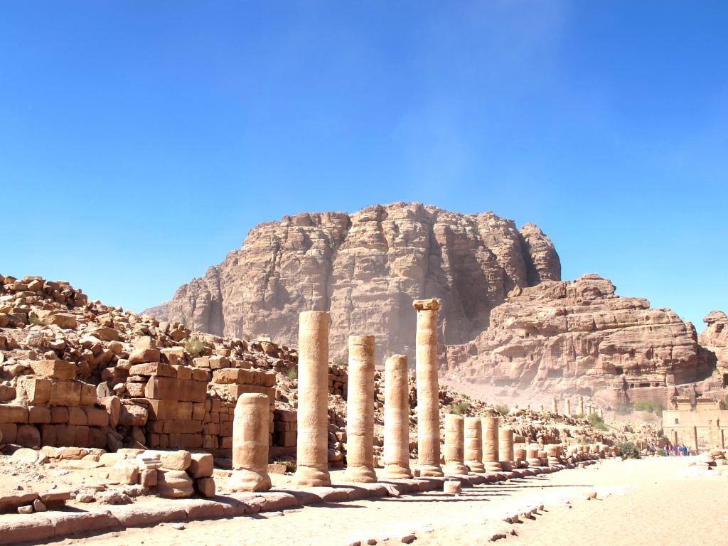Petra-columns
