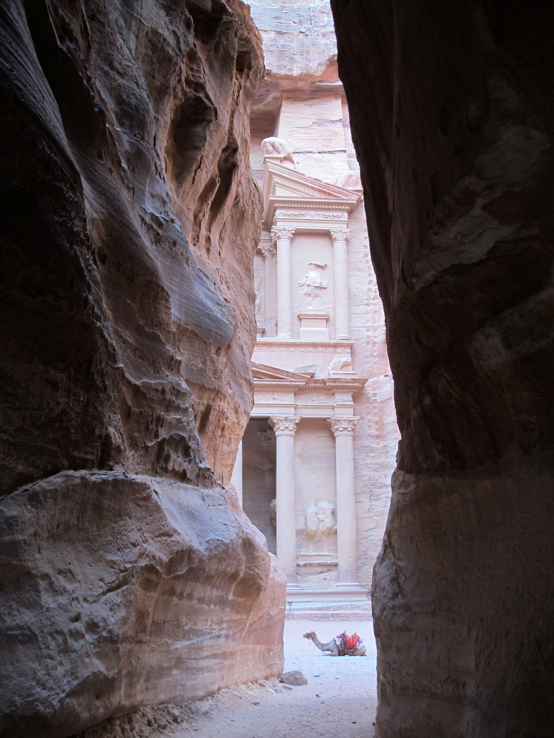 Petra-first-view-of-the-Treasury