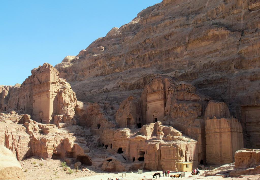 Petra-smaller-temples