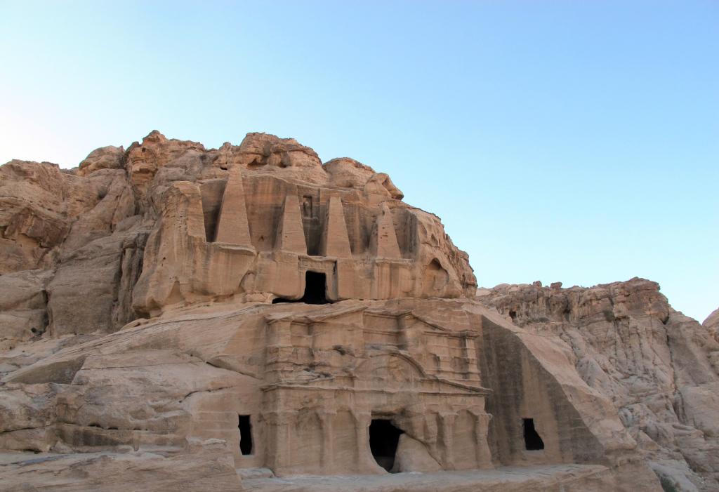 Petra-smaller-temples-(2)