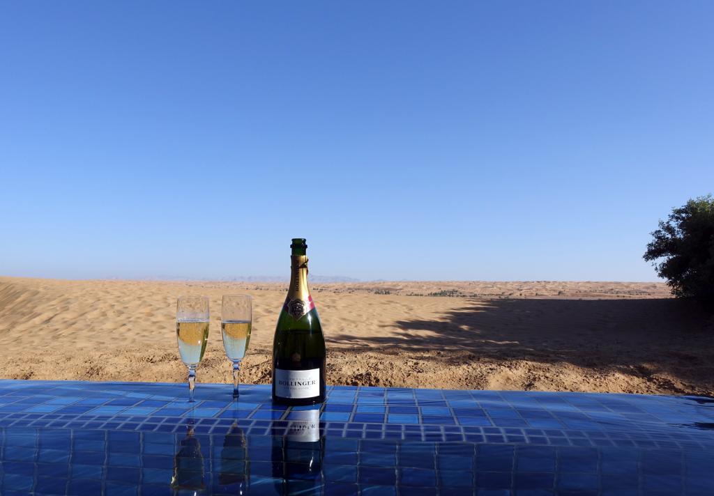 Al-Maha---pool-+-champagne