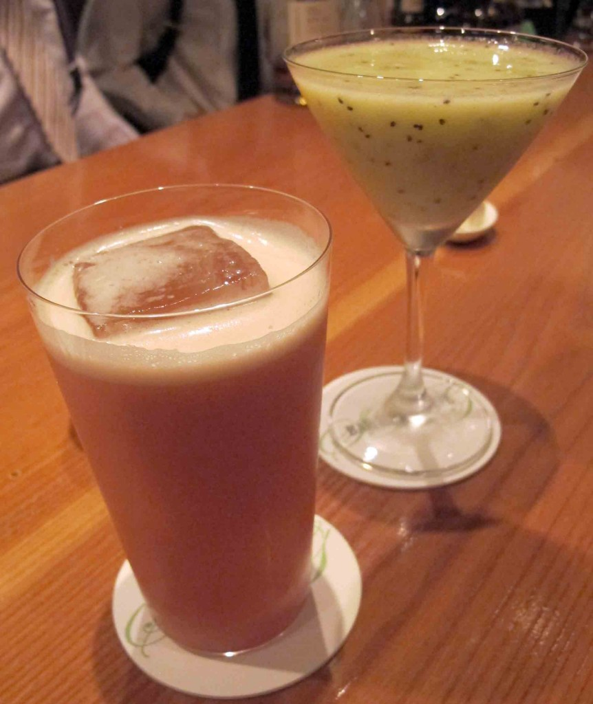 Bars---Bar-High-Five-Singapore-Sling-(1)
