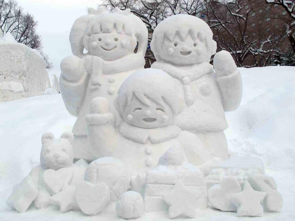 Japan-winter---sapporo-snow-festival-(5)