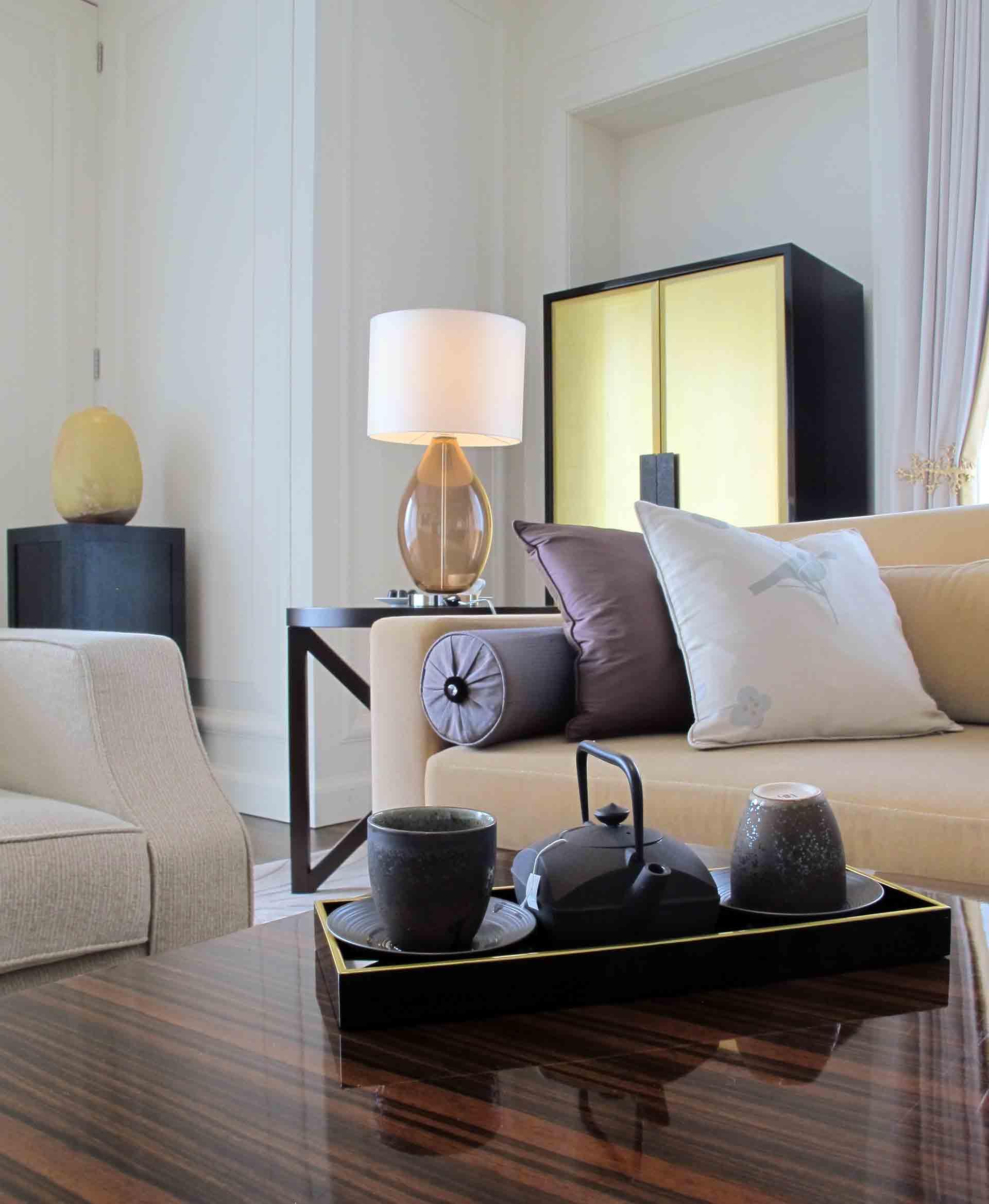 Osaka---St-Regis-Royal-Suite-details