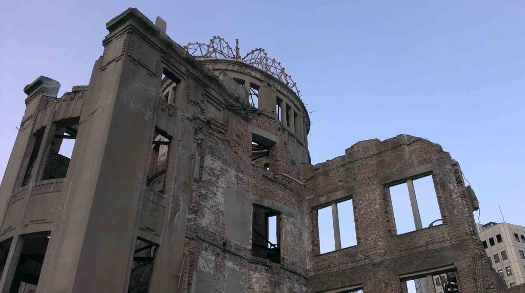 Hiroshima-the-atomic-dome(2)