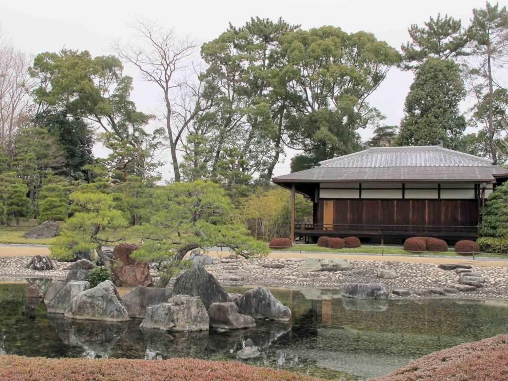 Kyoto-Nijo-castle-gardens