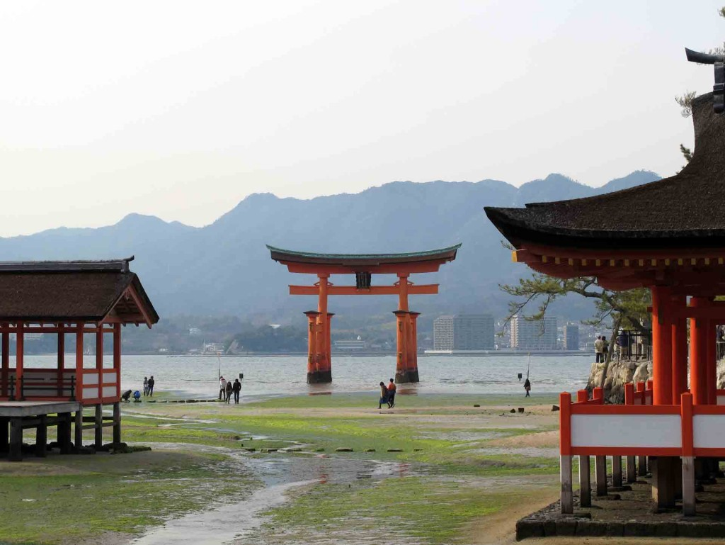 Miyajima-the-Great-Torii(2)