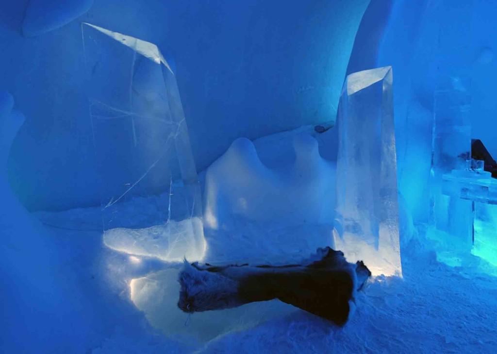 Kiruna-IceHotel-seats