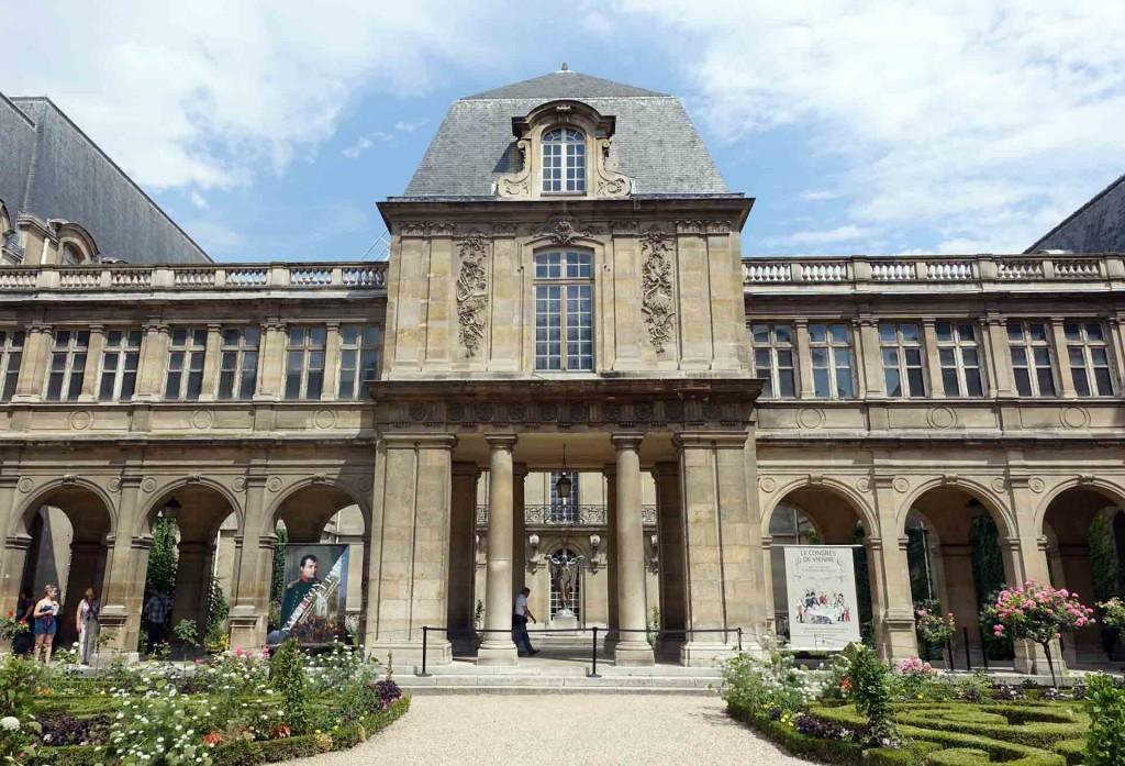 Paris-Biblioteque-historique-