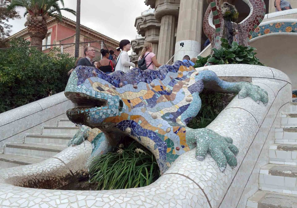 Barcelona-Parc-Guell-lizard