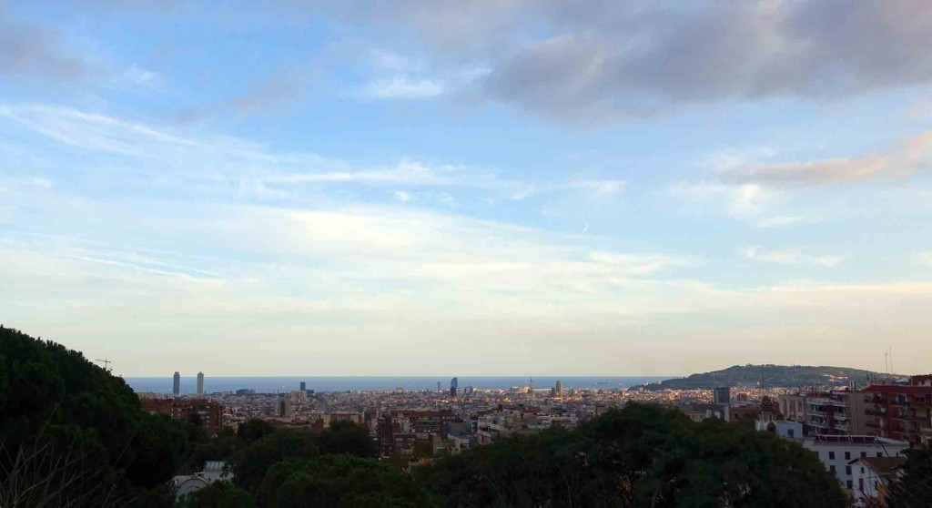 Barcelona-Parc-Guell-view(2)