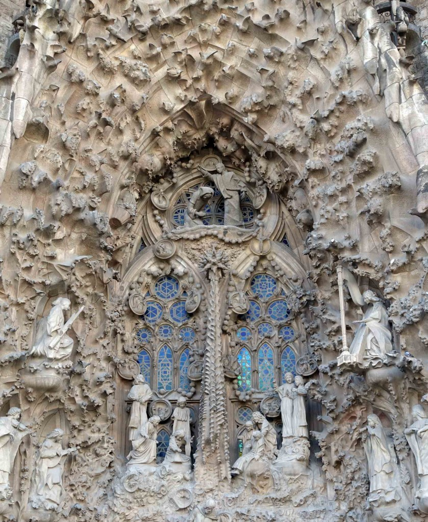 Barcelona-Sagrada-Familia-entrance-for-insta